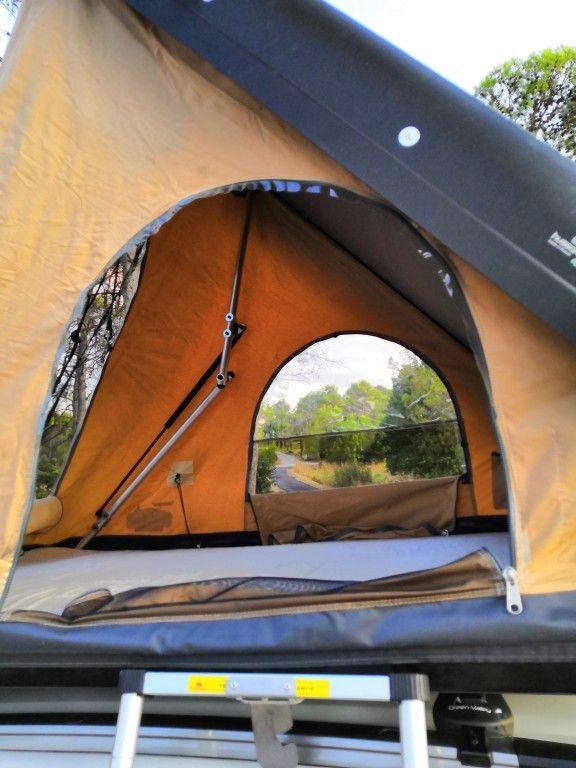 location tente de toit avec trois ouvertures